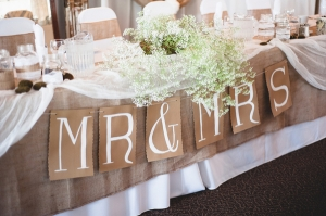 Burlap-Bridal-Table