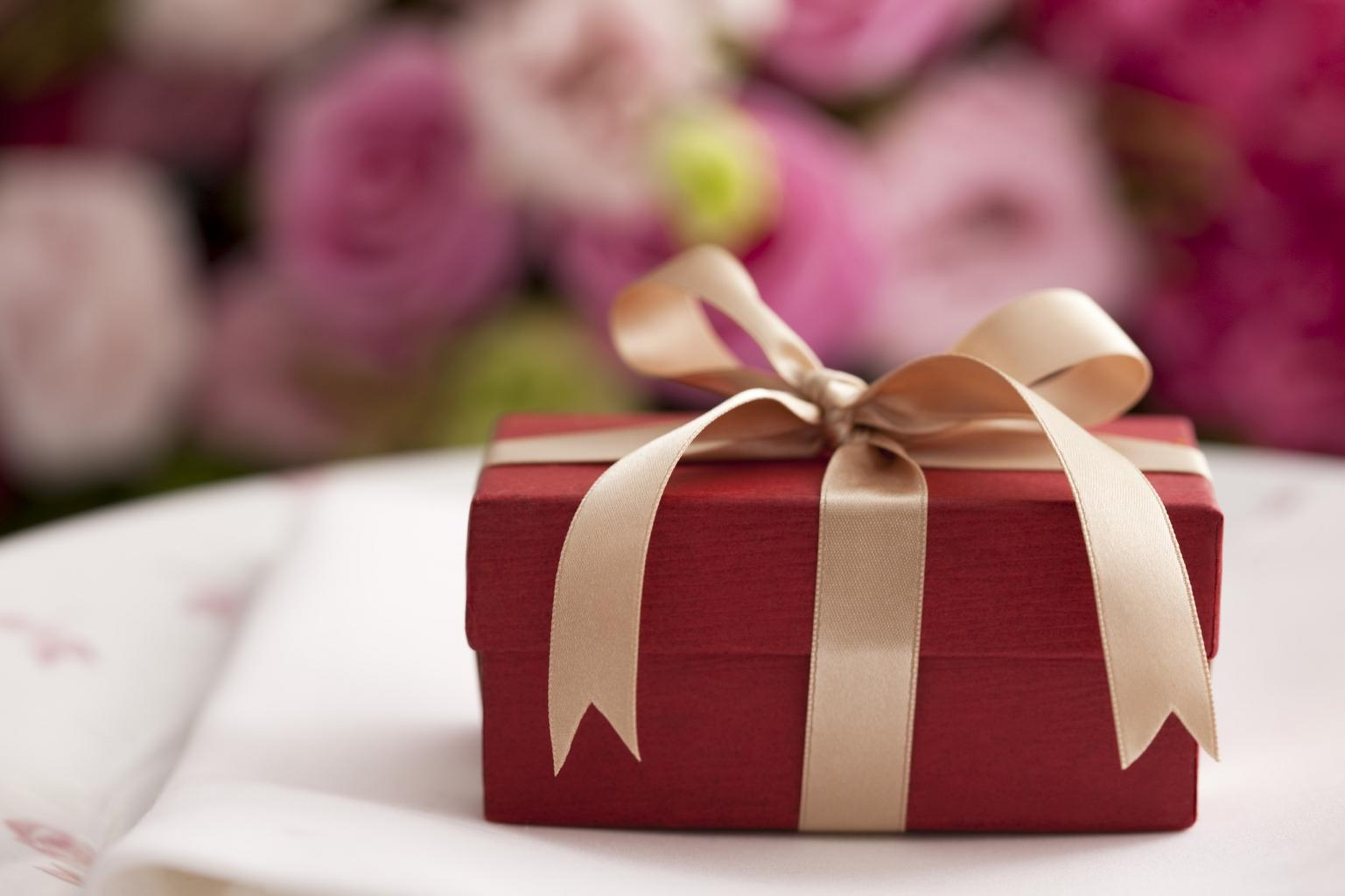 Wedding Gifts: A Modern Dilemma The Reflective Bride