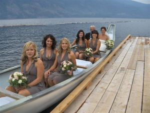 transport-bridal-party-canoe